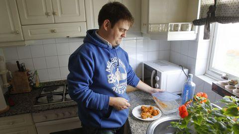 Cristóbal reconoce que la cocina y la lavadora son sus puntos débiles