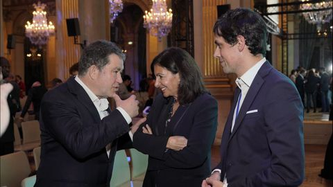 Lores tuvo la oportunidad de hablaer ayer con Anne Hidalgo, alcaldesa de París