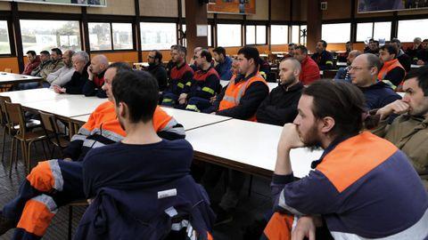Asamblea de trabajadores de la fábrica de Alcoa de San Cibrao, que se suman al a huelga del día 19
