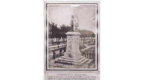 Única foto que se conserva firmada por Luis Hermida, e que recolle a inauguración en Santiago, o 28 de xullo de 1885, do monumento a Méndez Núñez