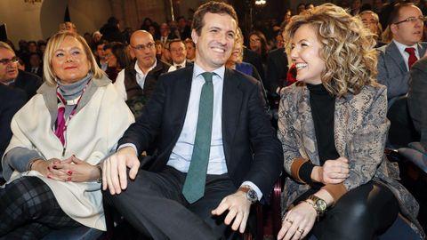 El líder del PP, Pablo Casado, en Oviedo donde presentó públicamente a la candidata popular a la Presidencia del Principado, Teresa Mallada, expresidenta de Hunosa y Mercedes Fernández