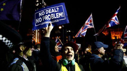 Protesta de partidarios del «brexit» en el exterior del Parlamento británico