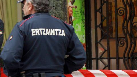 Imagen de archivo de un agente de la Ertzaintza