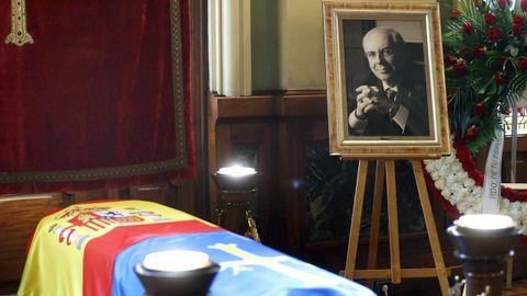 Capilla ardiente del ex presidente del Principado, ex alcalde de Gijón y senador Vicente Álvarez Areces, instalada hoy en la Junta General del Principado