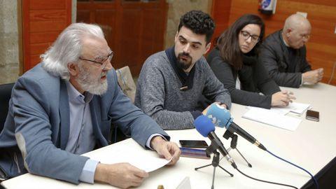 Guillermo Ferrándiz, a la izquierda, es el precandidato oficial de Podemos en Ferrol
