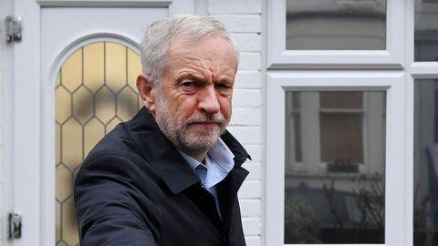 Partidarios de un segundo referendo pidieron a Corbyn un compromiso más firme.