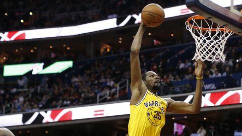 Kevin Durant (alero), el MVP de los dos últimos anillos. Su llegada hace tres temporadas fue determinante.