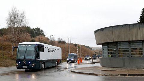 Los nueve acusados en el juicio del 1-O son trasladados a cárceles madrileñas, en las que permanecerán durante la vista oral