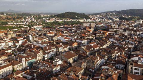 La ciudad de Santiago de Compostela desde el aire