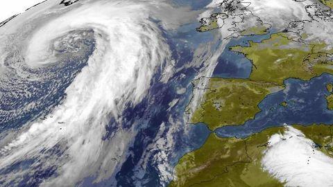 El ciclón Julia sobre el Atlántico
