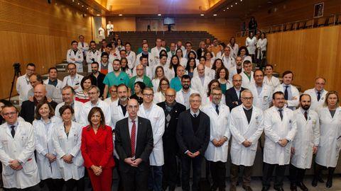 chuac.El equipo de los sanitarios de trasplantes en el acto del Chuac celebrado este miércoles