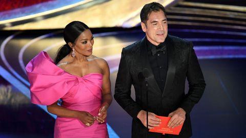 Angela Bassett y Bardem presentaron el premio a mejor película de habla extranjera.