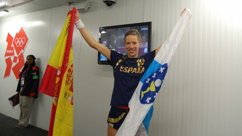 Begoña en el 2012 celebrando en Londres el bronce conseguido siendo capitana de la selección española de Balonmano