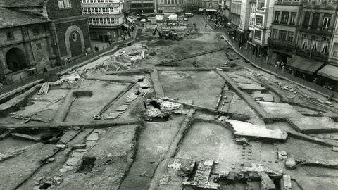 La sorprendente imagen de la excavación de la Praza de Santo Domingo