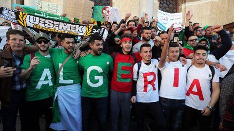 Protestas Argelia.Jóvenes en el cuarto viernes de protestas