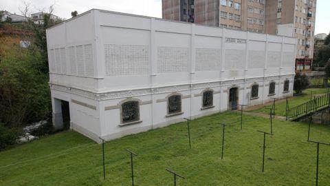 El edificio sorprende por su monumentalidad y la armonía de sus proporciones
