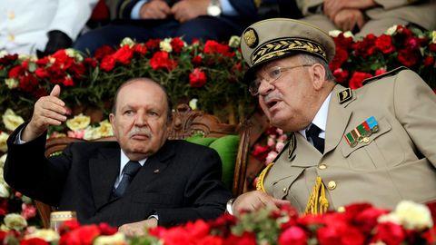 El presidente Buteflika y el jefe de Estado, Ahmed Gaïd Salah