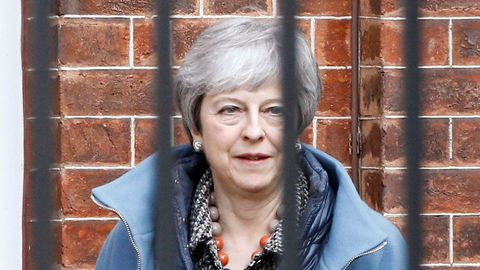 May anunció hoy que solicitará una nueva prórroga para el «brexit», tan corta «como sea posible»