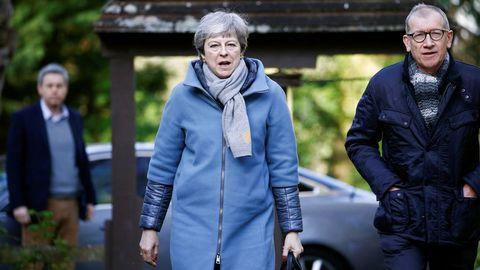 Theresa May, con su marido, el pasado día 24 de marzo a su llegada a un oficio religioso en High Wicombe