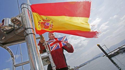 Matthew Taylor lleva un año viviendo en Galicia y está casado con una gallega, con la que tiene dos hijas