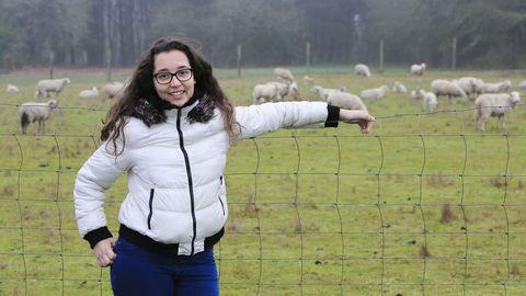 relevo rural.Sheila Pérez Pena (A Coruña, 19 años) nació en la ciudad pero tiene su futuro en el campo. Realiza las prácticas del ciclo de Ganadería en la Asociación de Criadores de Ovino e Caprino de Galicia, va a estudiar Veterinaria y está montando su propia explotación caprina