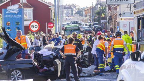 Dos muertos y una herida grave en un choque frontal en A Pobra do Caramiñal