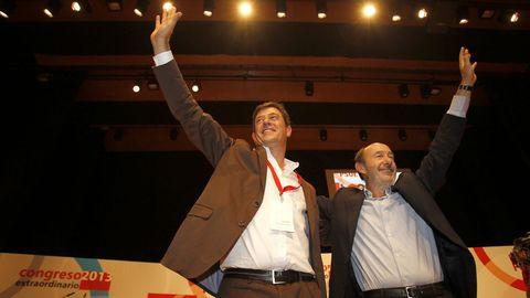 Junto a José Ramón Gómez Besteiro, nuevo secretario xeral del PSdeG, en el 2013