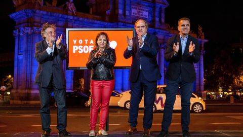 Los candidatos socialistas a la Comunidad de Madrid, Ángel Gabilondo, a la alcaldía madrileña, Pepu Hernández, al Parlamento Europeo, Iratxe García, acompañados por el presidente de los socialistas madrileños, José Manuel Franco