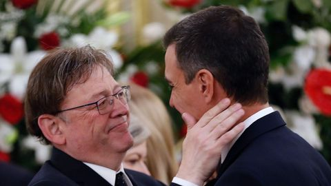 El presidente valenciano, Ximo Puig, con Pedro Sánchez