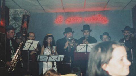 Durante una actuación, a principios de la década de los años 2000