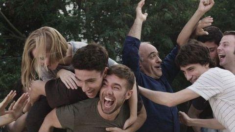 Carlos es Pol Rubio en «Merlí» y será el protagonista del spin off, dando el salto de alumno a profesor de Filosofía.