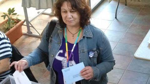 ELECCIONES 26M EN SANXENXO: VOTACIÓN DE LA CANDIDATA A LA ALCALDÍA POR SOMOS ENMAREA SANXENXO, MARÍA DEL CARMEN CAMIÑA