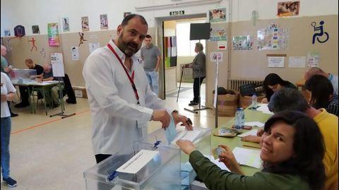 ELECCIONES 26M EN PONTE CALDELAS: VOTACIÓN DEL CANDIDATO DEL BNG A LA ALCALDÍA, MANUEL XESÚS MUIÑOS