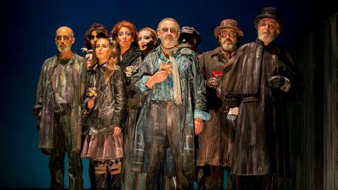 Uno de los muchos montajes de «Luces de Bohemia», dirigido por Alfonso Zurro y con Roberto Quintana como Max Estrella