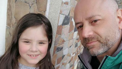 Imagen de Desi con su padre