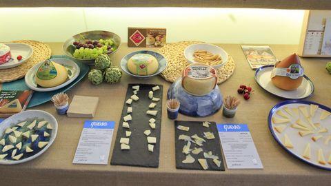 Mesa de quesos gallegos en Fevino