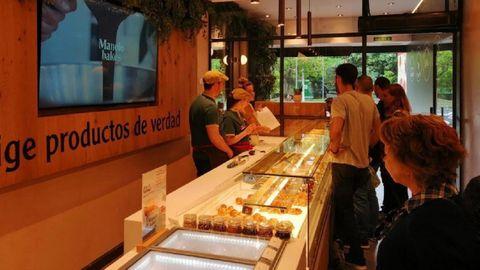 Esta mañana, en el primer día de funcionamiento del establecimiento en A Coruña.