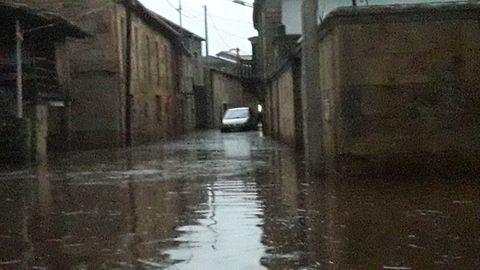 Calles inundadas en Albarellos