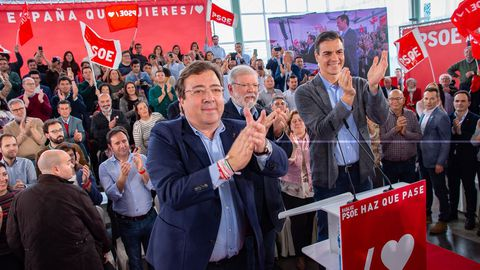 Con Pedro Sánchez y Rodríguez Ibarra en la última campaña de las autonómicas