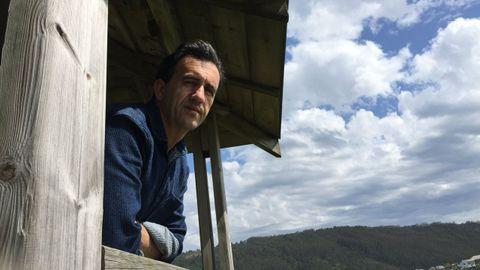 Miguel Sande practica unha poesía sinxela pero resultado dun longo proceso de traballo