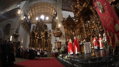 Ofrenda al Apóstol en San Martín Pinario. El acto se trasladó en esta ocasión por las obras en la Catedral