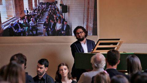 Acto de la lección magistral que el director de orquesta Aarón Zapico