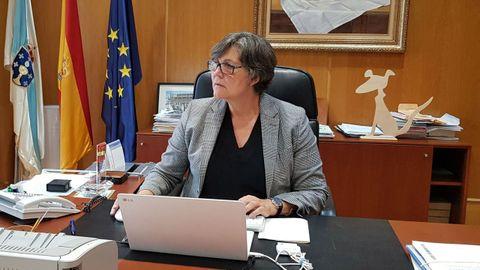 Eva García en su despacho del ayuntamiento de O Porriño
