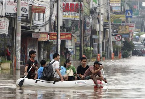 La nueva capital se situará en una zona alejada del riesgo de tsunamis o terremotos, que sí son habituales en la actual capital, Yakarta