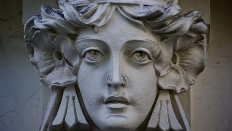 ¿Quién es la mujer del modernismo coruñés?
