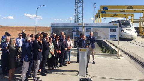 El tramo del AVE que ahorrará 50 minutos en el viaje a Madrid se abrirá «en pocos meses»