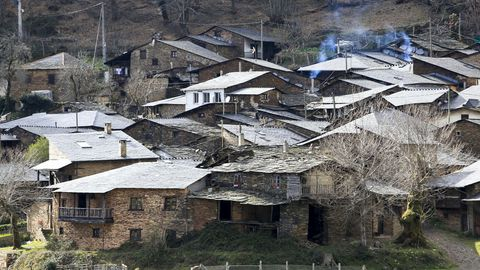 Seceda. Otra localidad de O Courel declarada BIC se halla en un área donde las rocas predominantes datan del período Devónico