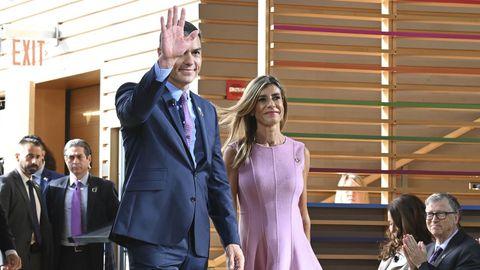 El presidente del Gobierno en funciones, Pedro Sánchez y su mujer, Begoña Gómez, a su llegada al acto Goalkeepers de la Fundación Bill y Melinda Gates, en Nueva York (EE.UU)