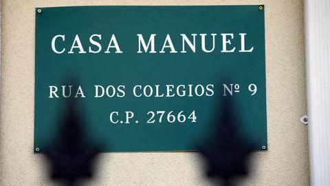 Placa en una vivienda de San Roman, en Cervantes