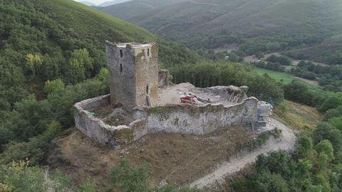 Castillo de Balboa, en el Bierzo, ahora en reconstrucción